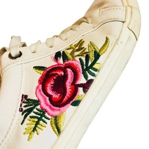 Elegant White Embroidered Sneakers ~Size :7